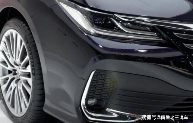 """原来的""""亚洲狮""""终于出现了,比丰田卡罗拉更大气,换成了2.0L,但是车名挥霍了"""
