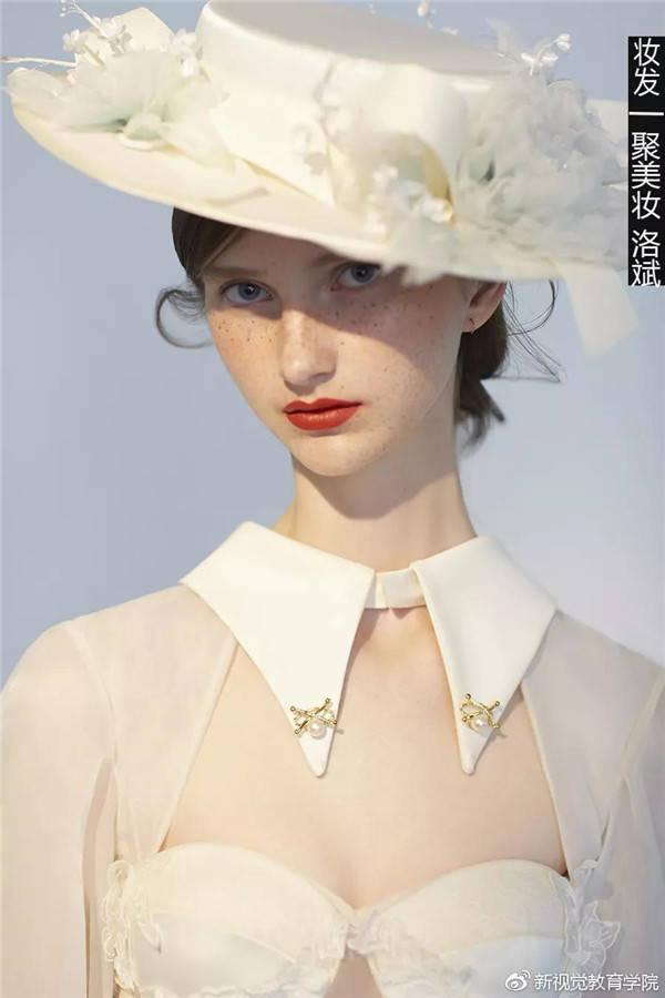 健茵宝:短发新娘 复古雀斑妆