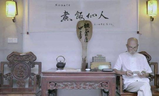 """日本""""煮饭仙人""""一辈子精于煮饭,想到中国找传人,网友:不需要"""