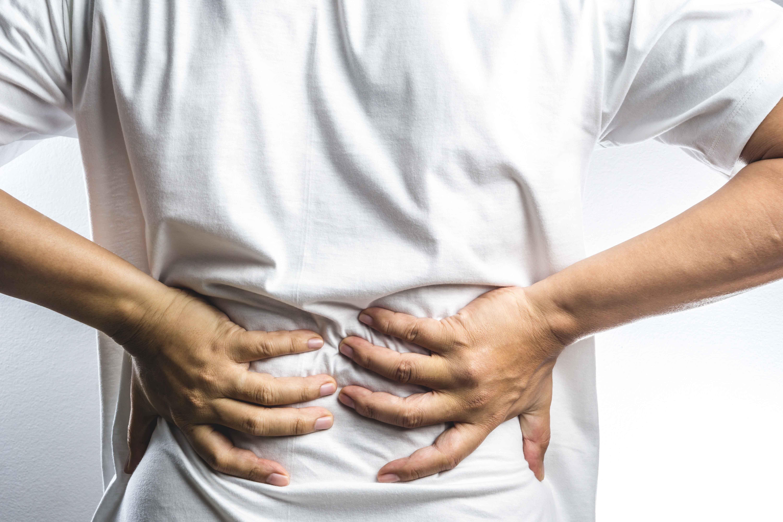 40岁男子腰腿疼,入院查出骨髓瘤?腰痛4个原因,有的可不简单