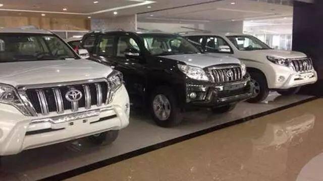 买新车选黑色还是白色好,听完老司机的话,终于知道怎么选