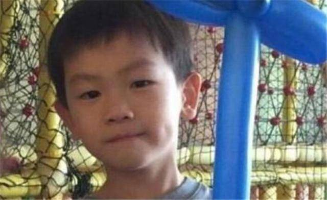 王宝强10岁儿子近照乖巧,与准后妈冯清相处融洽!