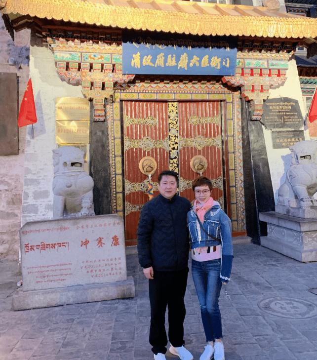 金巧巧晒西藏旅游照,被网友神评论,像城乡结合部的发廊老板娘!