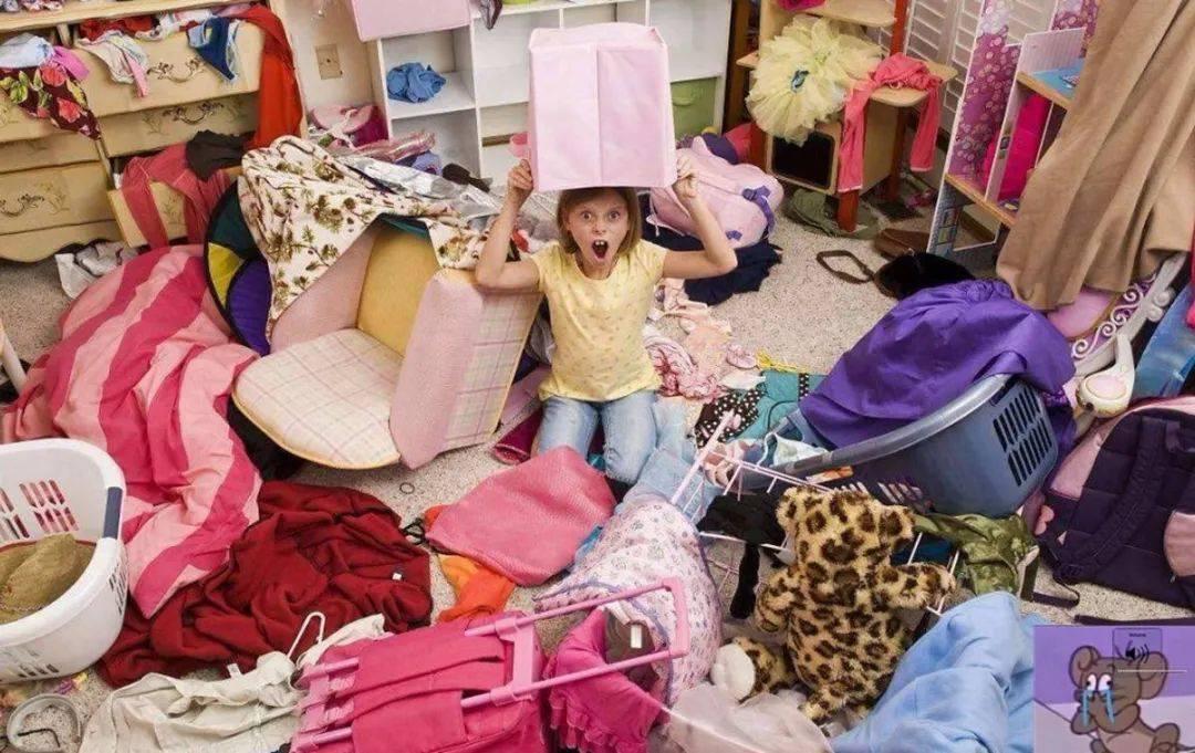 娃不愿收拾房间又脏又乱?巧用四招让娃主动收拾,比吼叫更管用