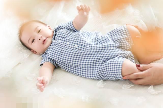 新生儿肚脐怎么护理?家长注意这4点,弄懂了娃少受罪