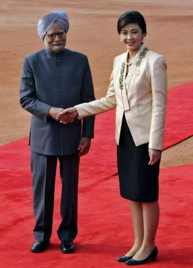 印度总理辛格是哪个民族?有哪些风俗习惯?求解