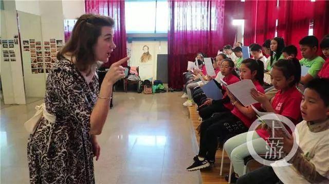 俄罗斯美女在重庆当音乐老师:艺术需要时间中国父母请不要着急