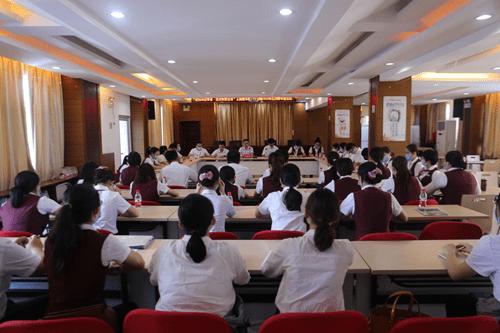 三亚农商银行召开战疫主题宣传教育活动暨五·四青年座谈会