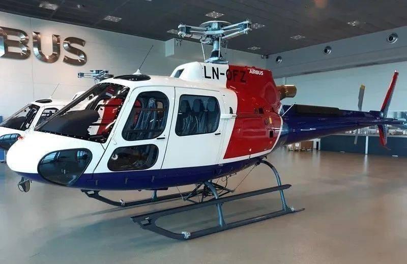 """实现两部拥挤客车H125直升机的""""在线交付"""""""