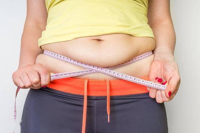学会这三个动作及减脂策略,赶走脂肪,掉秤速度你自己都无法想象
