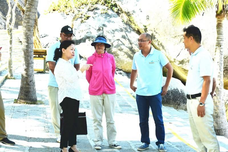 全省文明單位復查組到三亞大小洞天旅游區檢查工作