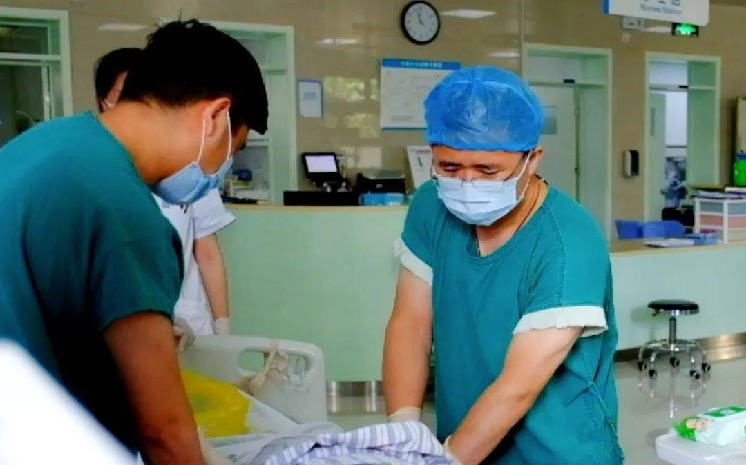 """一夜排尿7升三天减重30斤,急诊室来个了""""水做""""的男人"""