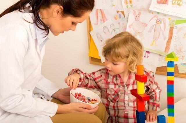 """""""吃完这碗饭就能出去玩儿""""!祖母原则对孩子为啥屡试不爽?"""
