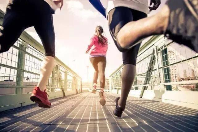 如果你恨一个人,让他去跑步!如果你爱一个人,也让他去跑步吧!