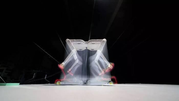 纽约大学低成本的Solo 8开源四足机器人原型来了