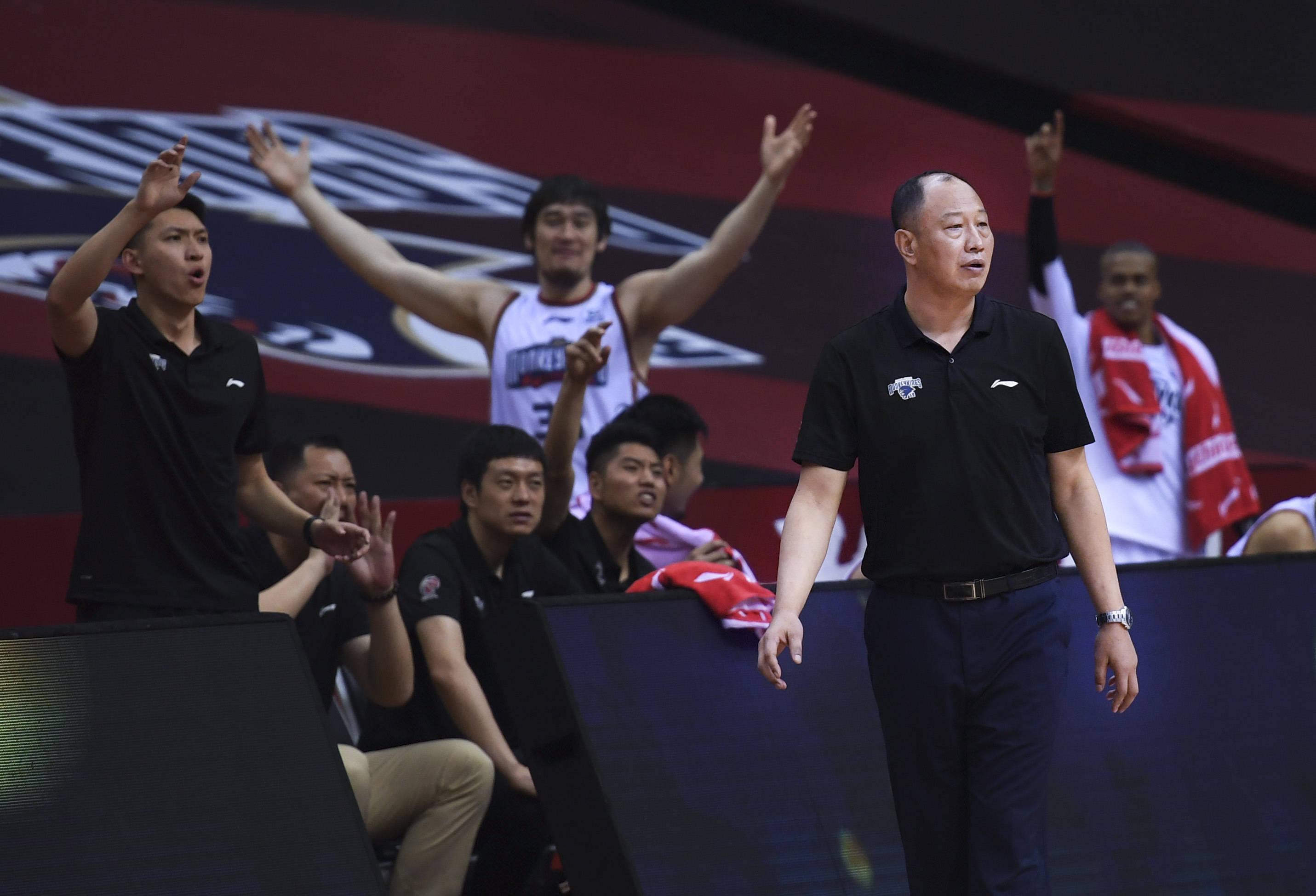 籃球——CBA復賽第一階段:青島國信雙星勝南京同曦宙光