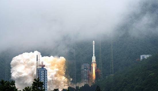 我国提前半年完成北斗全球系统星座部署 中国北斗耀全球
