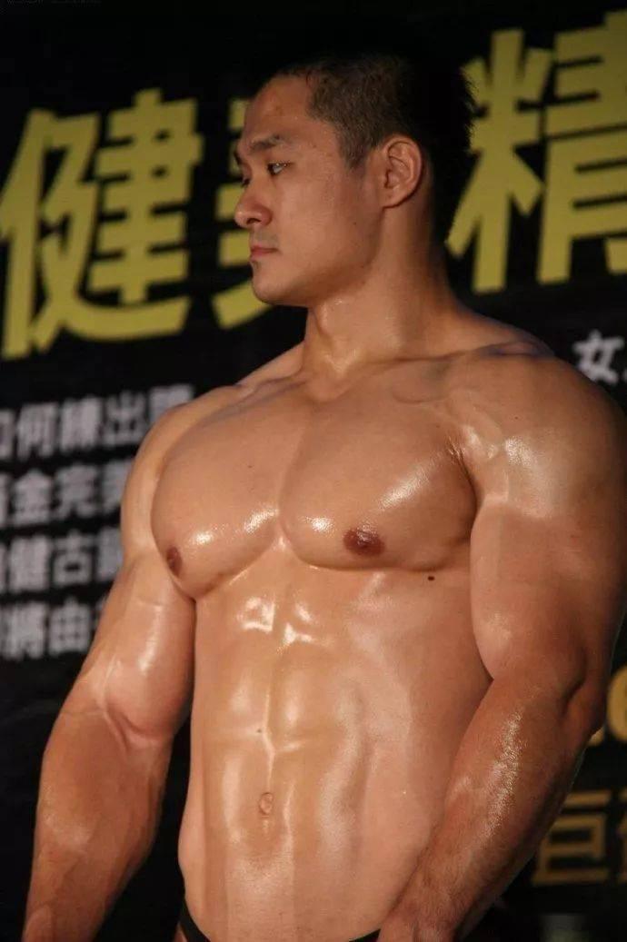 台湾最强壮法医,你们感受一下 锻炼方法 第9张