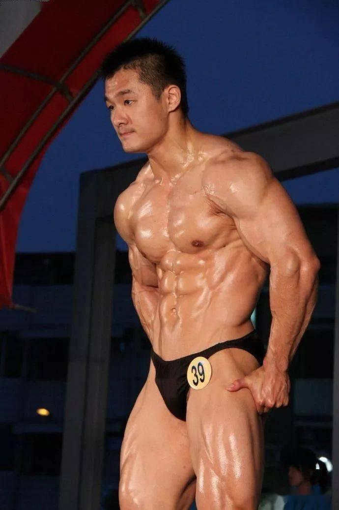 台湾最强壮法医,你们感受一下 锻炼方法 第6张