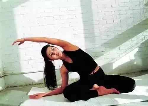 瑜伽4式,让你的生活美起来 减肥窍门 第3张