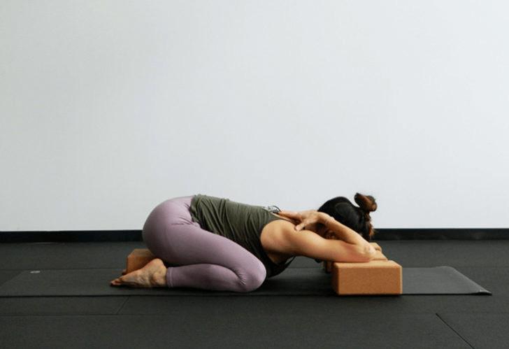 练瑜伽,没感觉?12个常见瑜伽体式,这样练超级有感觉! 减肥窍门 第3张