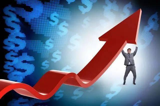 """近一年最高涨幅129%富国互联科技股票许炎晋身为""""王"""""""