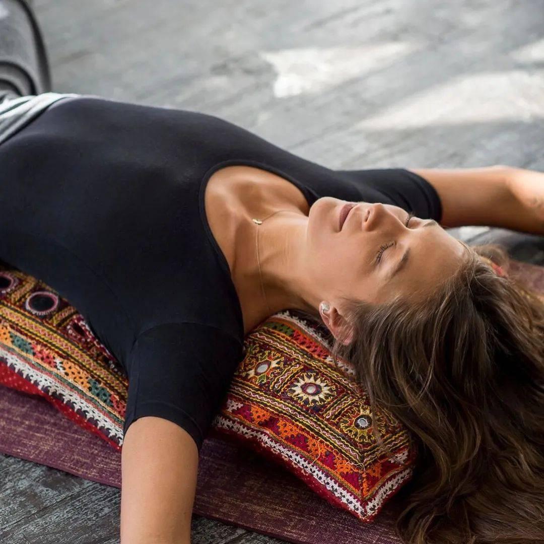 腰痛总是反复?除了拉伸,这3点你注意了么? 减肥窍门 第1张