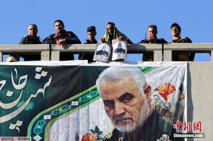 """指挥官遇刺后,伊朗""""通缉""""特朗普 美伊紧张加剧?"""