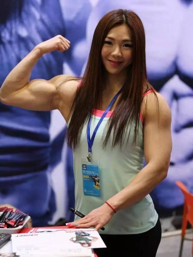 按照肌肉维度排序,这5位健身女神你更喜欢谁? 中级健身 第6张