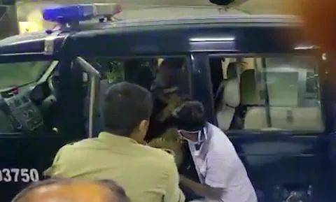 印度警察追捕时遭伏击致8死6伤 罪犯全跑