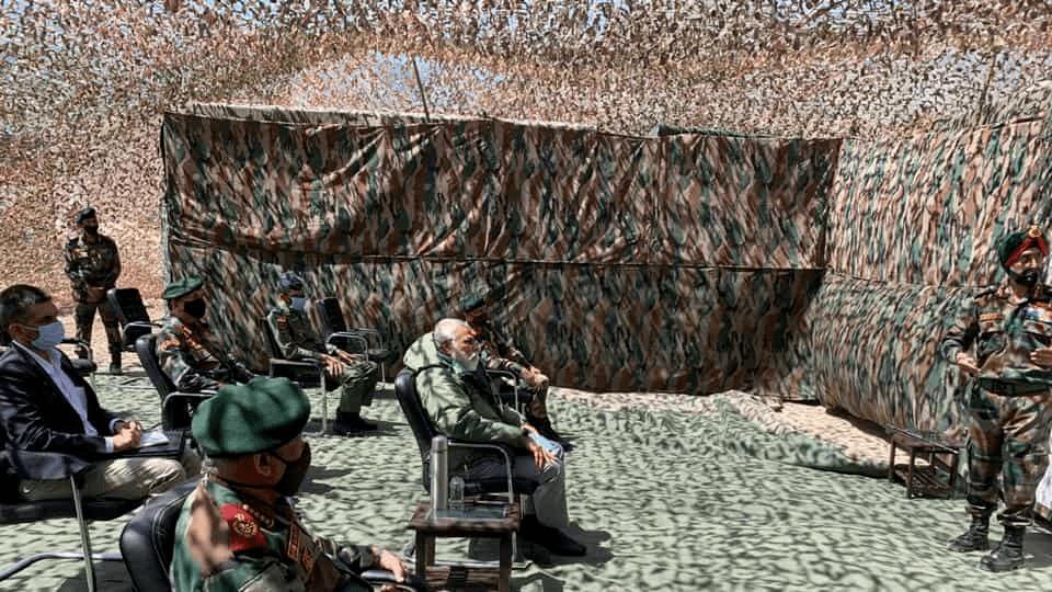 莫迪突访中印边境