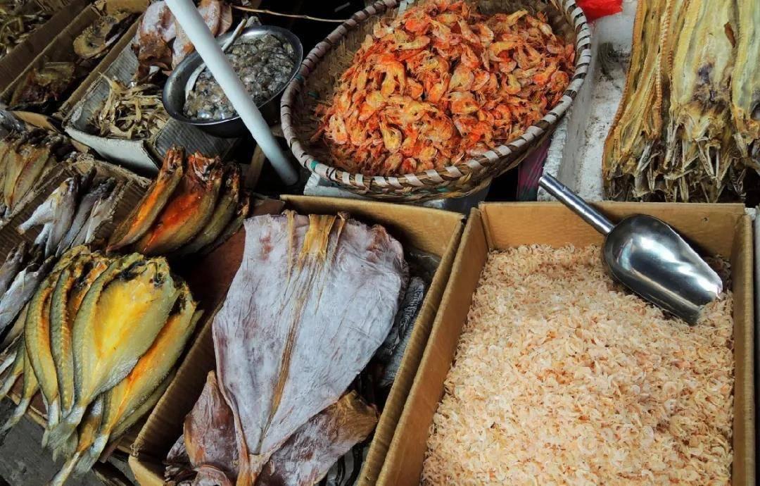 有了干海鲜,鲜味更升级!墨鱼干排骨煲、五花肉烧海鳗,鲜