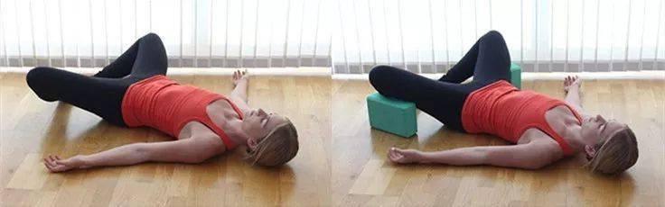 用瑜伽砖这样练习,体式标准多了,初学者一定要试试!