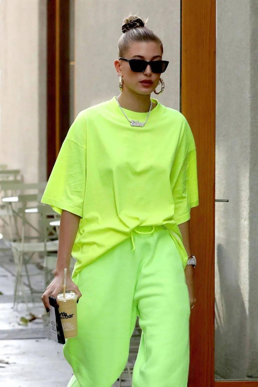 显白又好看,绿色竟然可以这么时髦