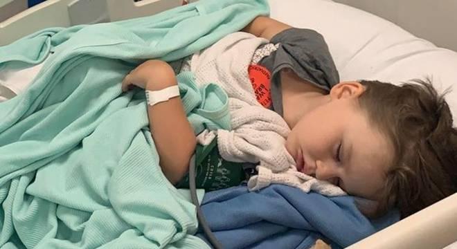"""英国3岁男孩在公园被毒蛇咬伤致""""瘫痪"""""""