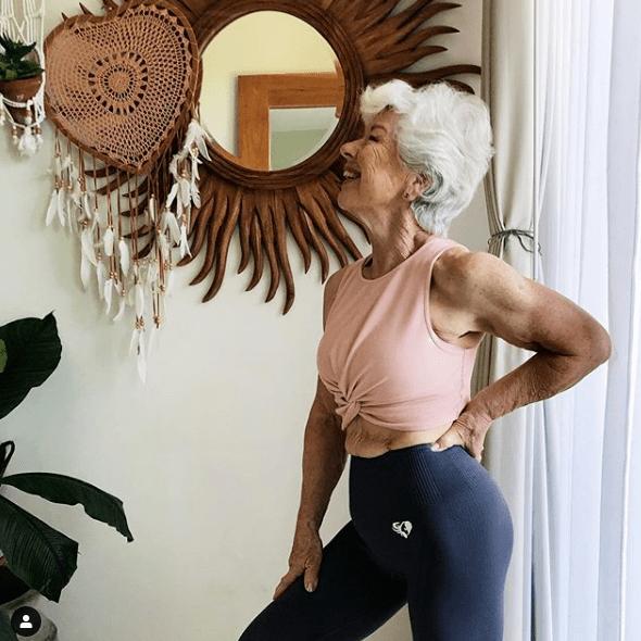 74岁奶奶分享健身日常,激励百万网友:自律的人,从不怕变老