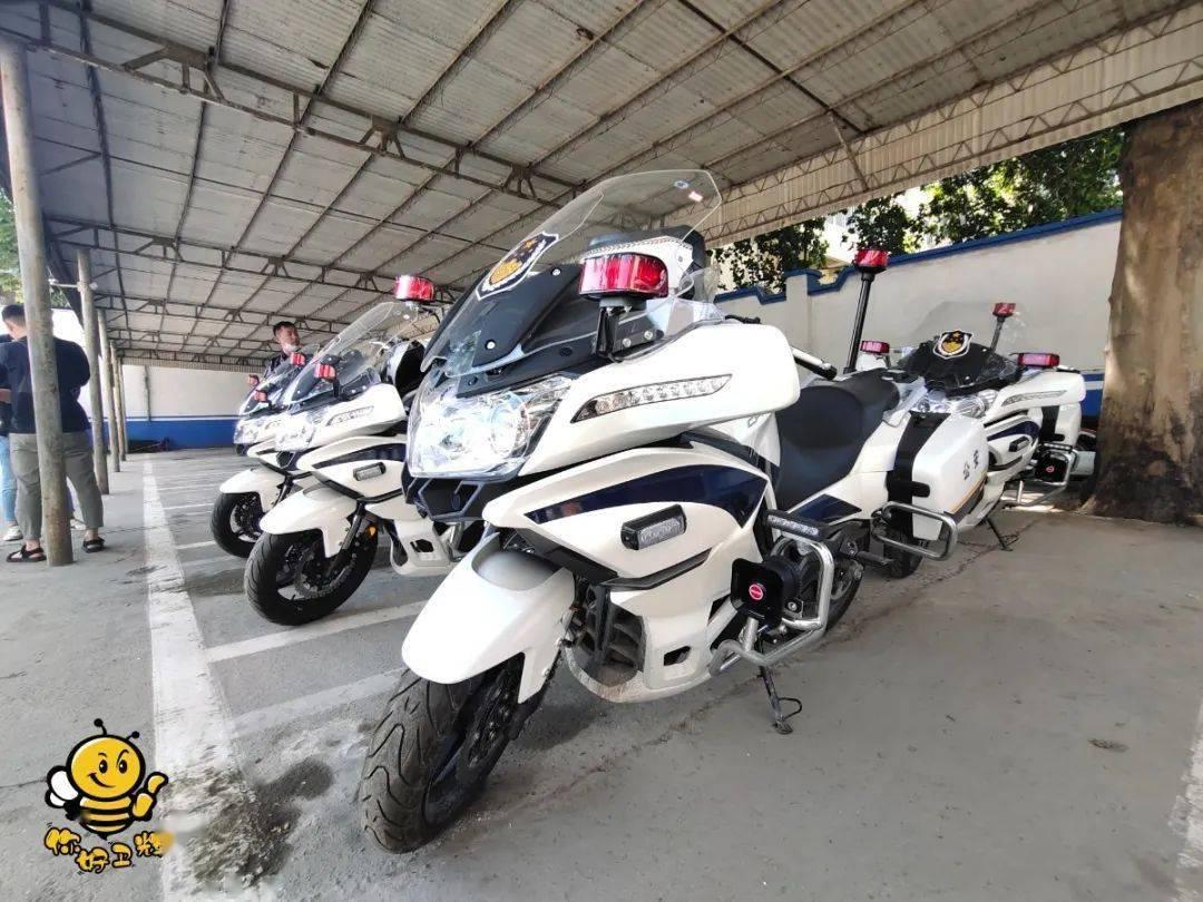 卫辉铁骑兵增加新装备!5辆东风国宾650摩托车落