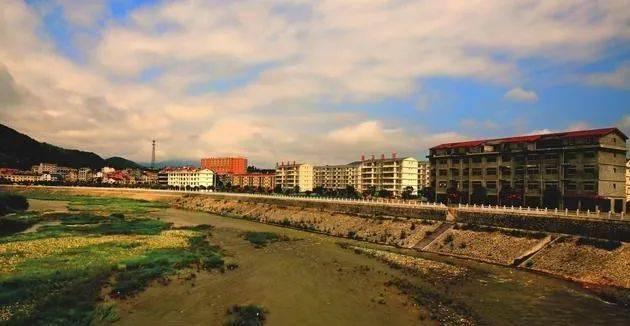 2018年石泉县池河镇经济总量_石泉县中池镇筷子铺村
