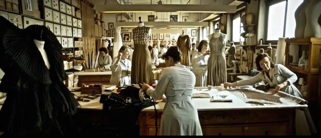 Dior2020秋冬高级定制:超现实主义与时尚神话