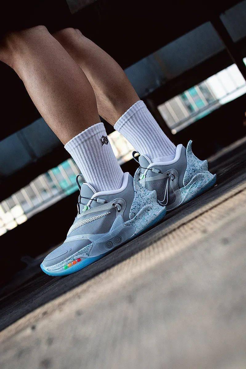 梦寐以求的酷炫功能!Nike 终于把它做出来了!路人全盯着我的鞋!插图(18)