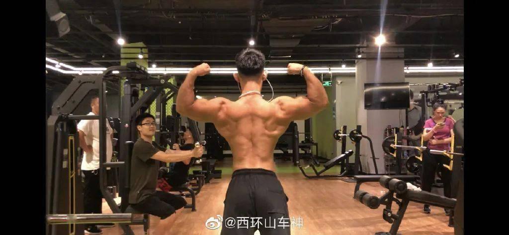 正太脸金刚身!杭州小哥因胸毛走红,这个肌肉什么水平?插图(10)