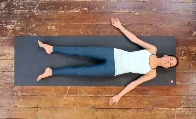 坚持睡前这样做,胸在慢慢大大大 | 瑜伽呼吸_体式