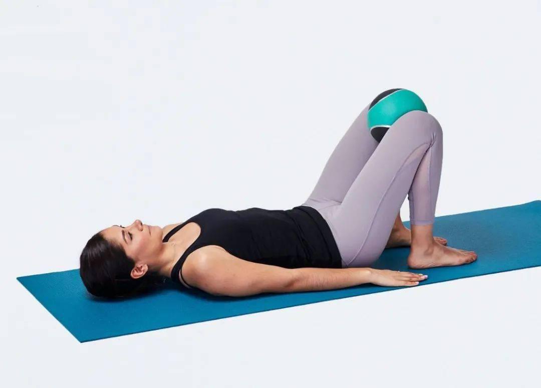 """10个高强度""""失稳""""瑜伽变体动作,加强核心&翘臀,一次帮你搞定!"""