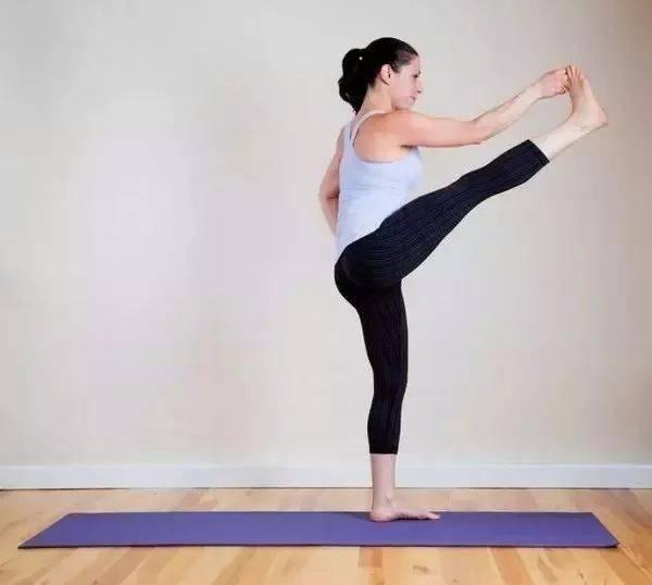5个简单瑜伽动作,疏通腰椎(经典)!