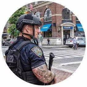 男版肌肉警察制服诱惑