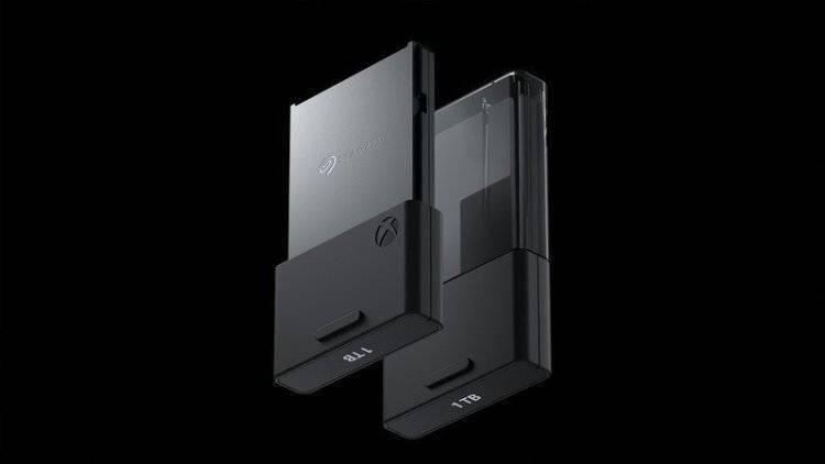 微软推出 1TB 扩展卡 售价219.99美元