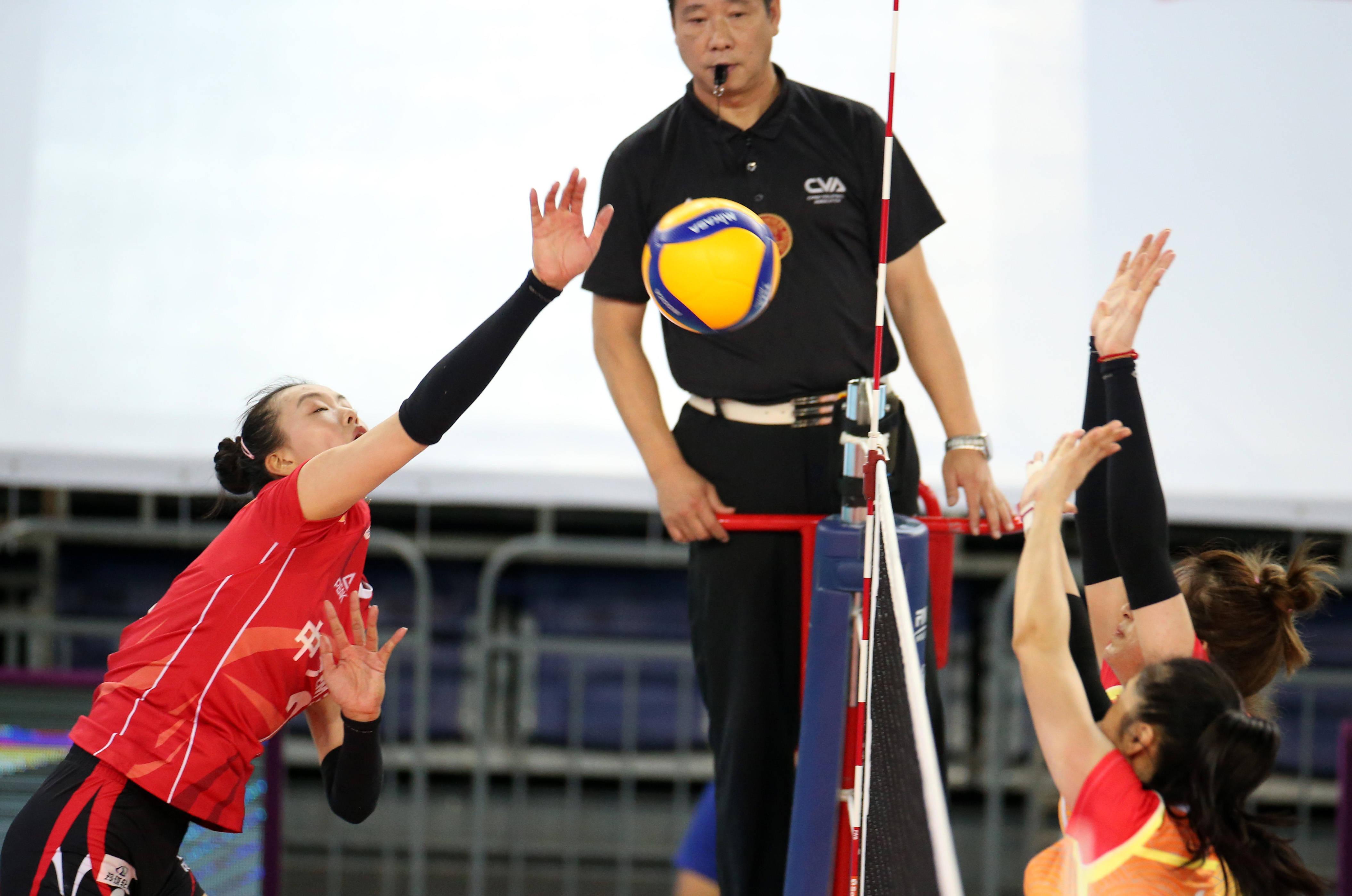 排球——全国女排锦标赛:江苏胜北京