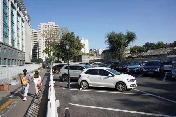 济南停车计费单位拟减为半小时 纯电动车享受2小时免费停车