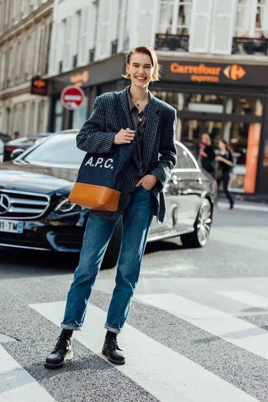 马丁靴+裙子,马丁靴+工装裤……又酷又撩,时髦炸了!     第40张