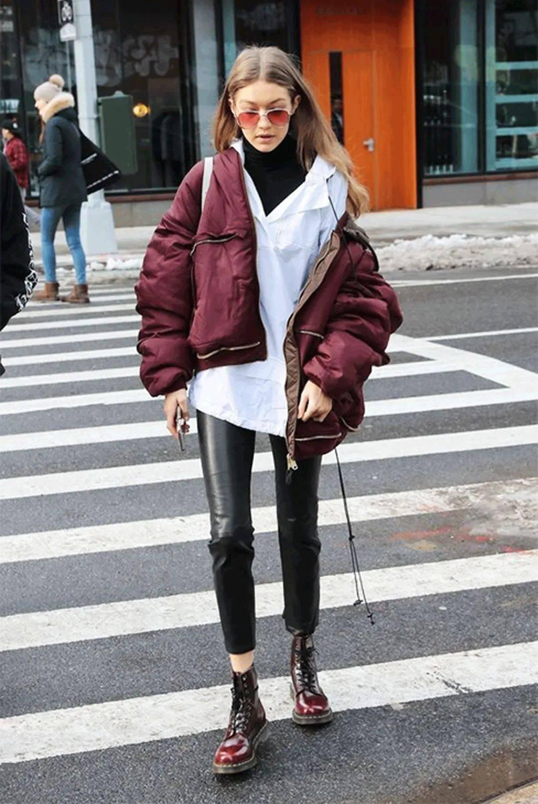 马丁靴+裙子,马丁靴+工装裤……又酷又撩,时髦炸了!     第58张